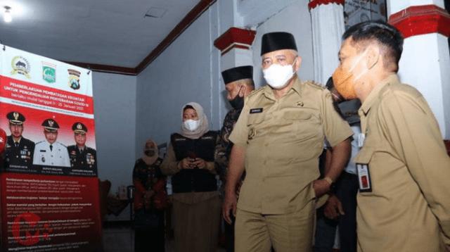 Foto : Bupati Malang, HM Sanusi bersama sekda