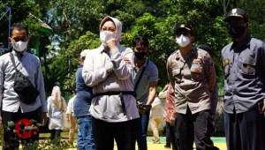 Foto : Mensos, Tri Risma Harini kunjungi korban gempa kab malang
