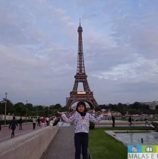 Visitando a Torre Eiffel