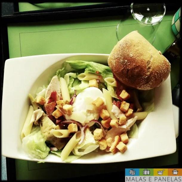 Salada com massa