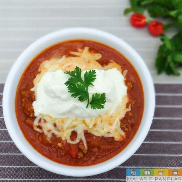 86c980bc8 O Chili é o prato oficial do estado do Texas e bastante apreciado em todo  os Estados Unidos. Ele é um tipo de ensopado apimentado que tem como  ingredientes ...