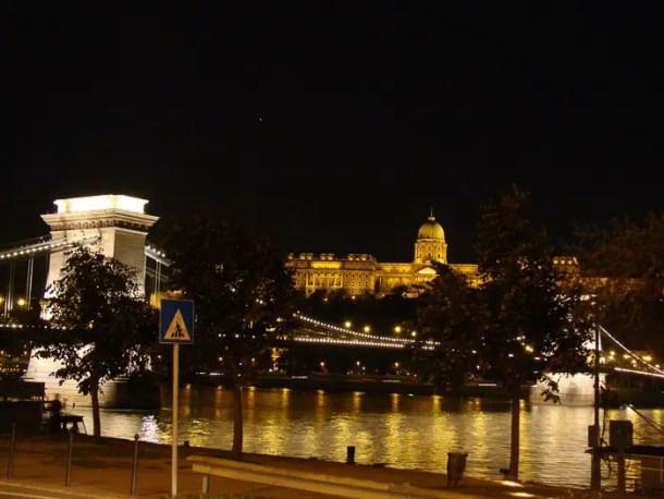 Ponte das Correntes e Palácio Real