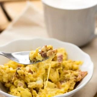 Ovos Mexidos com Bacon e Queijo