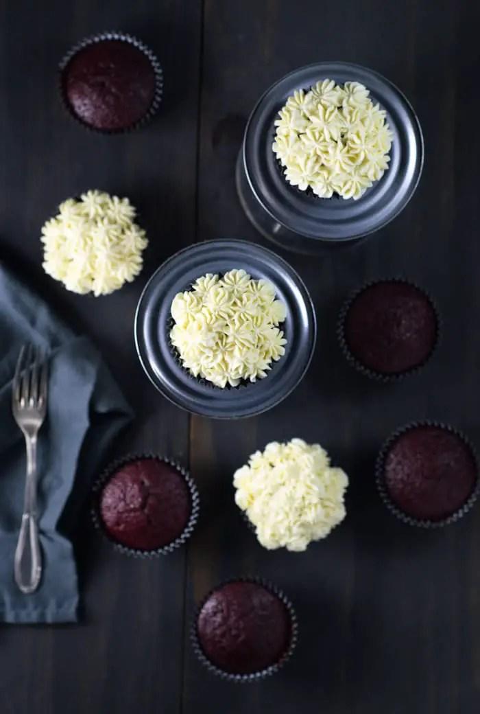 Red Velvet Cupcake Fácil | Malas e Panelas