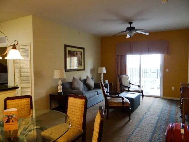 Sala do apartamento do Lake Buena Vista Resort em Orlando
