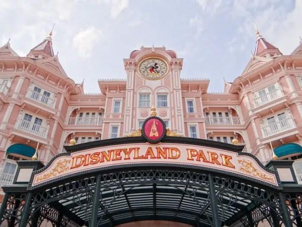 "16 Lugares para Visitar em Paris | Disneyland Paris | Malas e Panelas"" width="