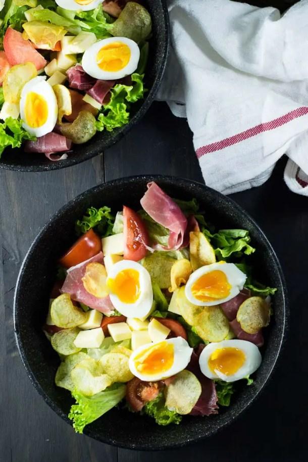 Salada de Presunto Parma, Ovos, Batata, e Queijo {Salada Parisiense}   Malas e Panelas