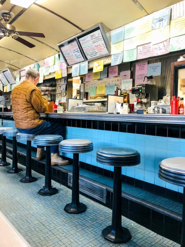 20 Great Places to Take Pictures in New England - The Blue Benn Diner - Bennington, Vermont | Travel Cook Tell