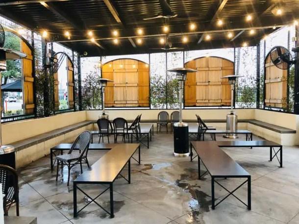 Área de espera do restaurante Magnolia Table