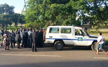 Malawi Police set up Roadblock at Parliament to Arrest Kabwila