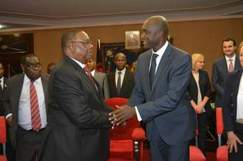 Makhtar Diop, Peter Mutharika