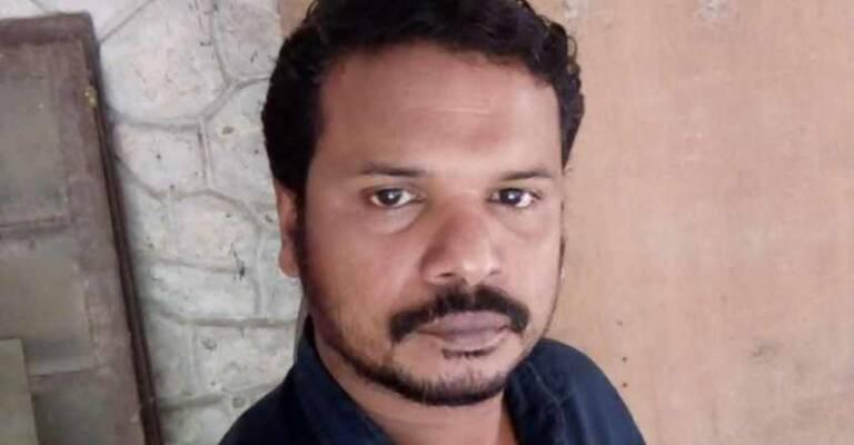 snake bite thiruvananthapuram zoo employee died    Rajavempala bite employee dies at Thiruvananthapuram zoo