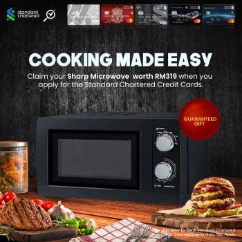 Sharp Microwave R219EK percuma apabila anda berjaya memohon kad kredit Standard Chartered yang baru