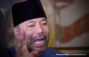 Bekas Ketua Bahagian UMNO Batu Kawan Datuk Seri Khairuddin Abu Hassan hari ini menarik balik samannya terhadap ahli perniagaan Low Taek Jho atau Jho Low, Datin Seri Rosmah Mansor dan 1Malaysia Development Bhd (1MDB).