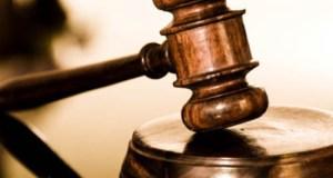 Seorang bekas kerani firma guaman didakwa di Mahkamah Sesyen di sini hari ini atas 138 pertuduhan membabitkan pecah amanah lebih RM100,000 sejak 2012 hingga 2015.