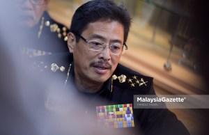 Timbalan Ketua Pesuruhjaya (Operasi) SPRM Datuk Seri Azam Baki berkata, sebaliknya Najib dikehendaki hadir ke ibu pejabat suruhanjaya itu di Putrajaya pada Selasa ini.