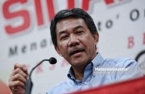 """Timbalan Presiden UMNO Datuk Seri Mohamad Hasan mendakwa tema Belanjawan 2019, """"Malaysia Wibawa, Ekonomi Dinamik, Rakyat Sejahtera"""", tidak selari dengan dasar polisi fiskal yang ingin dilaksanakan kerajaan."""