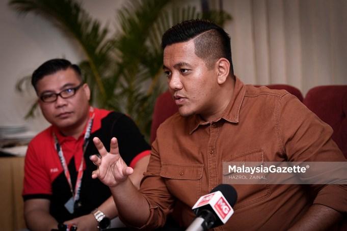 Calon Ketua Angkatan Muda Keadilan (AMK), Afif Bahardin (kanan) bercakap kepada media selepas Majlis Penutup Malaysia International Vape Summit (MIVAS 2018) di PWTC, Kuala Lumpur. foto HAZROL ZAINAL, 23 SEPTEMBER 2018.