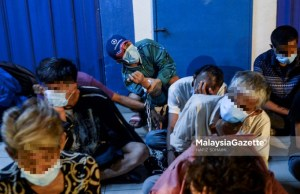 Among the drug addicts arrested during Ops Sarang at Jalan Chow Kit, Kuala Lumpur. PIX: HAFIZ SOHAIMI / MalaysiaGazette / 29 MARCH 2021