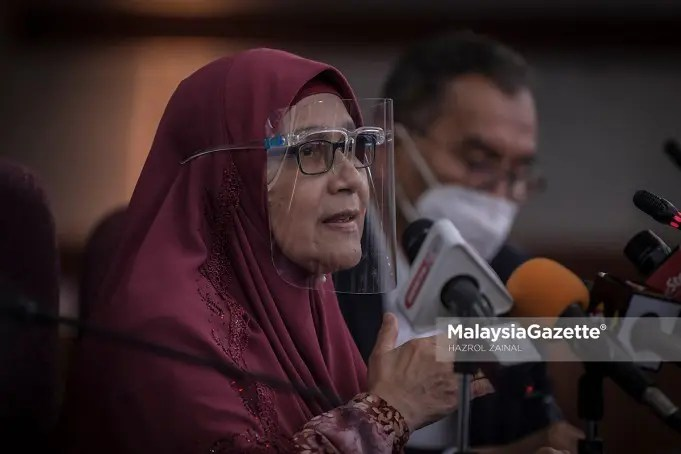 Selangor State Health, Welfare, Women and Family Empowerment Committee Chairperson, Dr Siti Mariah Mahmud at a news conference on the latest development of Covid-19 in the state. PIX: HAZROL ZAINAL / MalaysiaGazette / 19 MAY 2021. full lockdown scale MCO