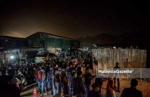 Among the foreigners arrested by the Department of Immigration in an integrated operation at a Residence Construction Site in Dengkil, Selangor. PIX: AFFAN FAUZI / 21 JUNE 2021. A large scale operation to curb illegal immigrants (PATI) at a construction site has led to the detention of 309 foreigners from various countries.