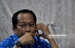 Datuk Seri Ahmad Maslan Deputy Speaker Dewan Rakyat Bersatu rejects