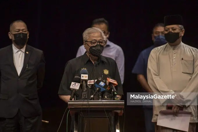Deputy Prime Minister, Datuk Seri Ismail Sabri Yaakob at a news conference with the Members of Parliament (MPs) from Barisan Nasional who choose to continue supporting the Perikatan Nasional government. PIX: HAZROL ZAINAL / MalaysiaGazette / 06 AUGUST 2021