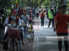 (Picture for representational purposes only). The city dwellers spending the weekend with their family at the Titiwangsa Park in Kuala Lumpur after the government relaxed the Standard Operating Procedures (SOP) as the Klang Valley has moved into Phase 2 of the National Recovery Plan (PPN). PIX: HAZROL ZAINAL / MalaysiaGazette / 12 SEPTEMBER 2021.