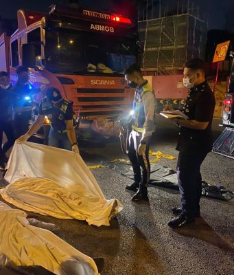 The Mitsubishi Triton driver who drove against traffic under the influence of ganja and caused the death of two teenagers at the Federal Highway on 12 September have been further remanded for 3 more days. He is investigated under Section 302 of the Penal Code for Murder. PIX: IPD Shah Alam