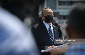 Senior Minister of Defence, Datuk Seri Hishammuddin Hussein at Kementah Camp, Kuala Lumpur. PIX: SYAFIQ AMBAK / MalaysiaGazette / 06 OCTOBER 2021. Melaka state election PRN