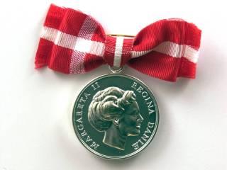 Einar får dronningens fortjenstmedalje