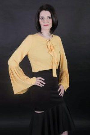 Blusa Amarela e saia preta MR - Sandalha CS