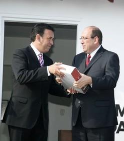 Las renuncias ahora equivalen a la cárcel: Moreirazo