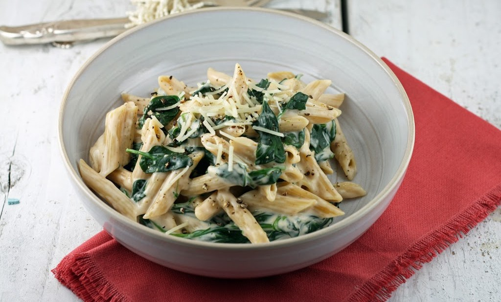 cheesy penne with spinach (meatless monday)