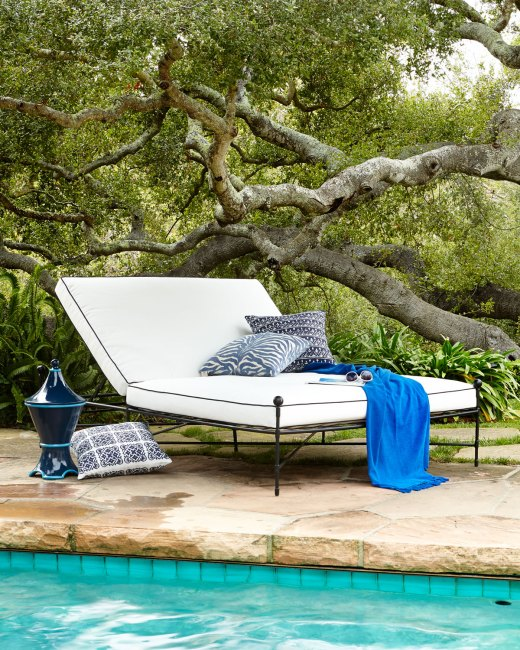 Avery Neoclassical Outdoor Double Chaise Lounge