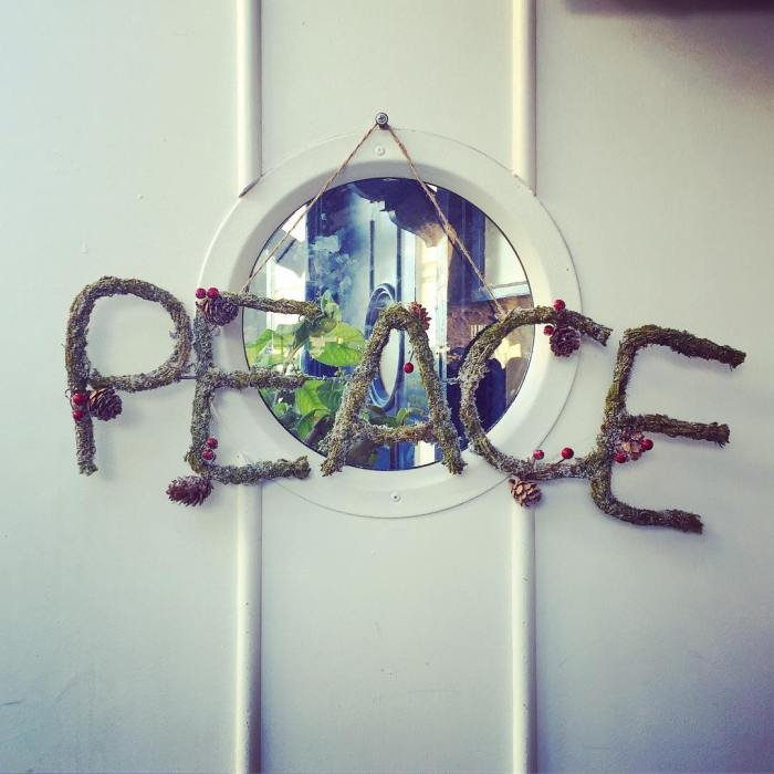 peace-wreath-malibu-farm-cafe-restaurant-on-the-pier-by-lkojo1-12-7-2016-1