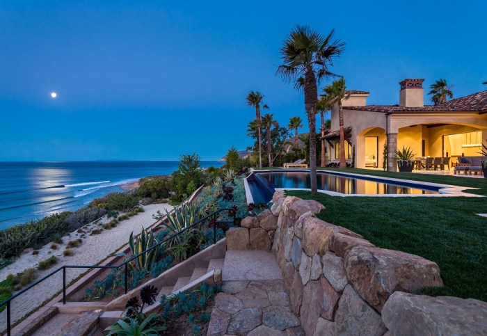 Oceanfront County Line Spanish Estate in Marisol Malibu