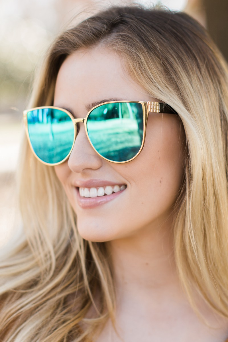 Sunny Outlook Blue Sunglasses