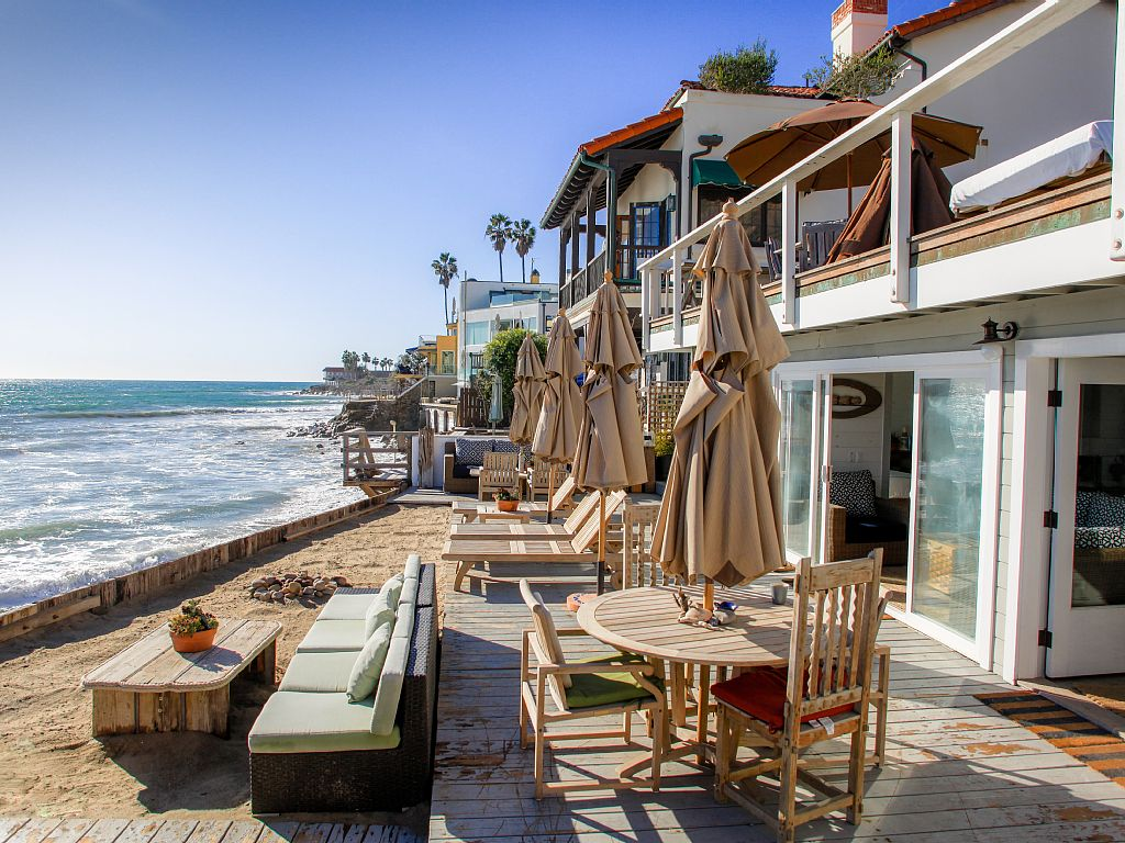 malibu beach house rental one night