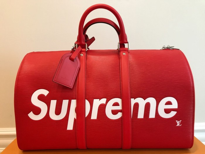 4b5a24cb39cf Louis Vuitton x SUPREME Keepall 45 Red Epi Leather Luggage Duffle ...