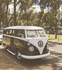 VW Surfer Bus in Waikiki Hawaii