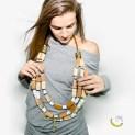 Collana di ottone dorato, ceramica e bambù - Malice's Craftland - riciclo creativo - artigianato sostenibile italiano