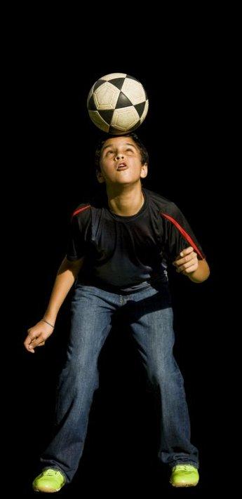 Dečak virtuoz sa loptom