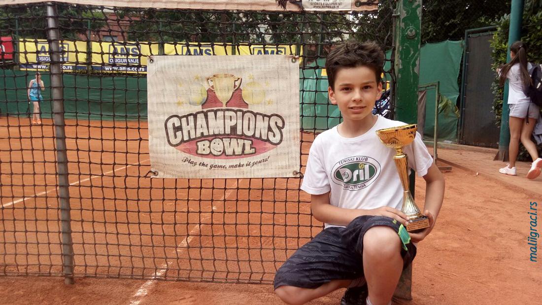 Mali teniser Stefan Rajičić, Teniski klub Dril Beograd