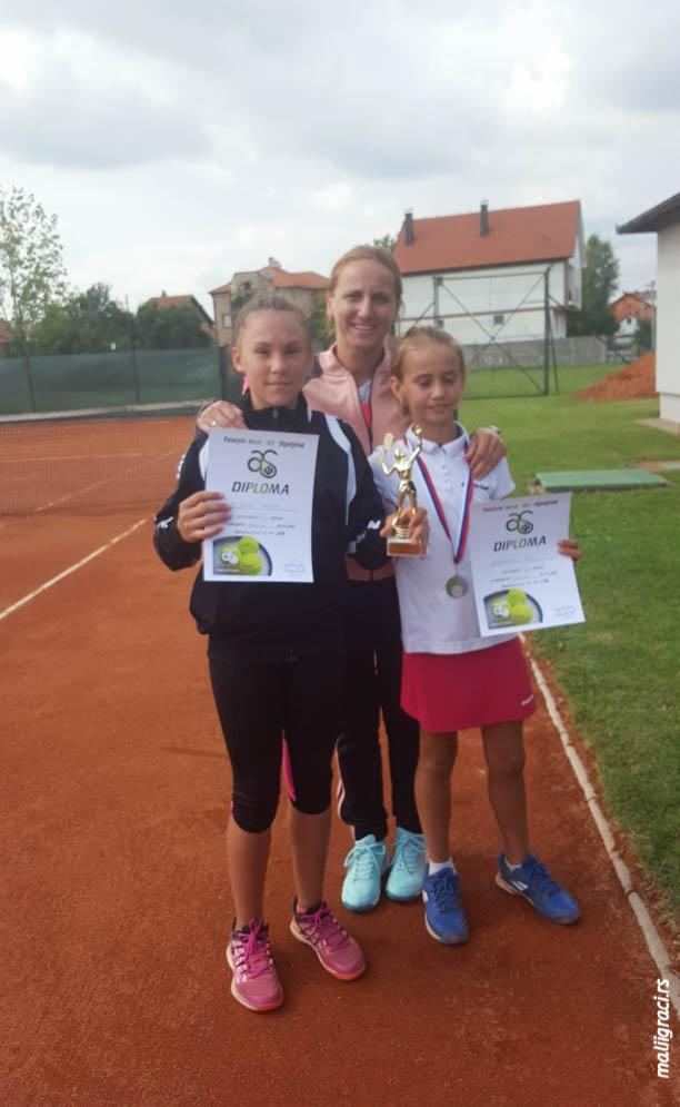 Alona Brzina, Tea Kovačević, Amra Čaškić, BIJELJINA OPEN U12, Teniski klub As Bijeljina