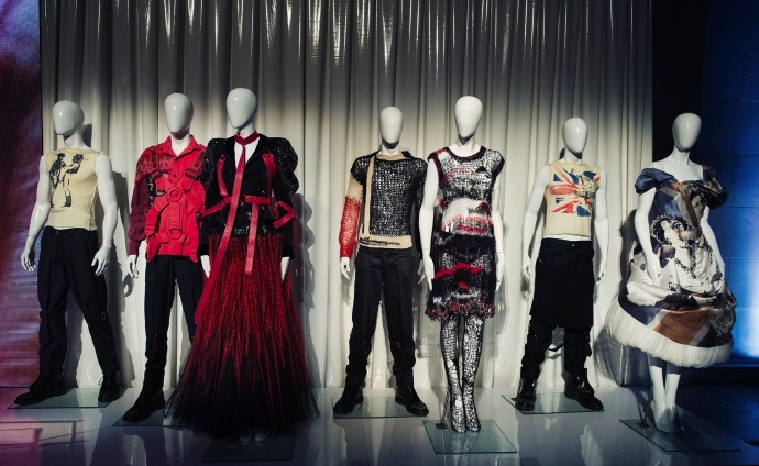 met-costume-institute-exhibition-2013-press-preview-01_141543684879.jpg_article_gallery_slideshow_v2