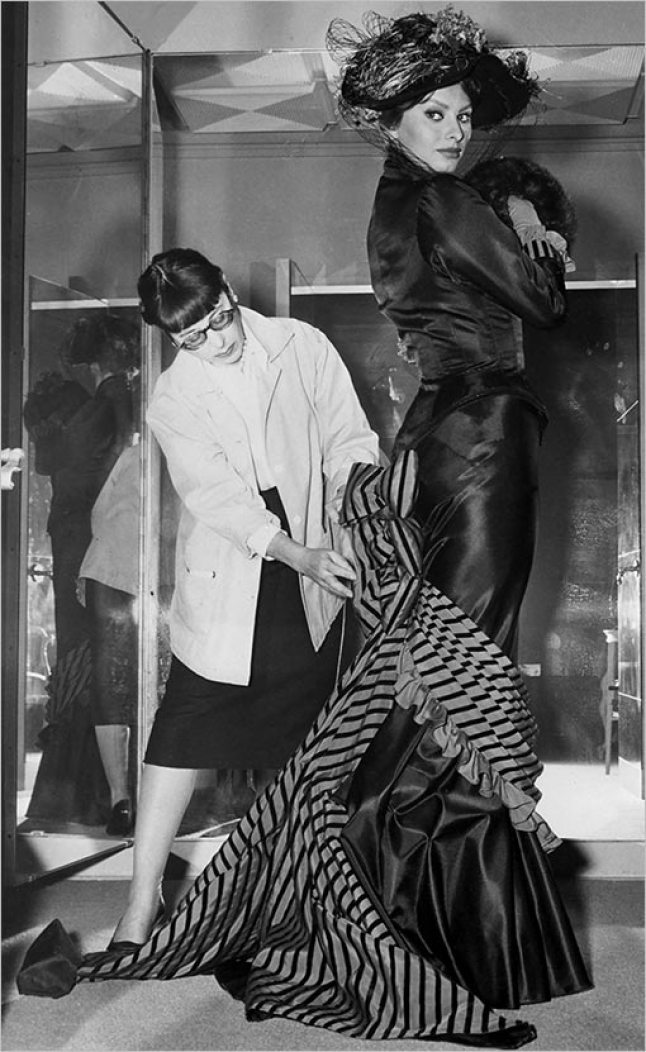Edith Head Tailors Sophia Loren'S Dress