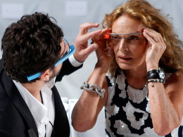 diane-von-furstenberg-google-glasses-3