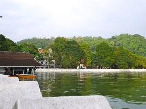 Sri Lanka Kandy lake malindkate
