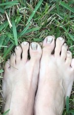 Grounding energy in your feet, by Adriana Garcia, photo